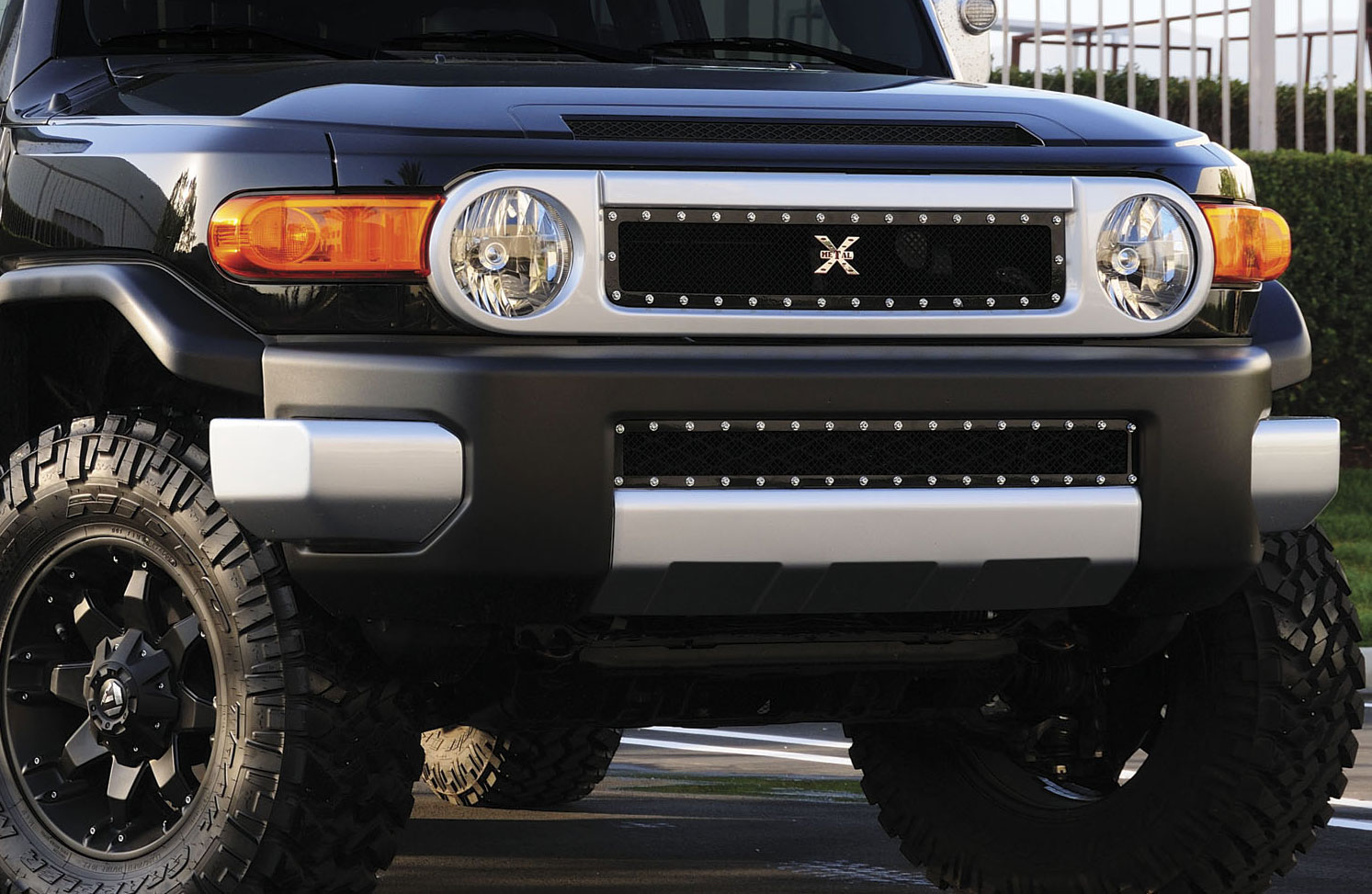 T-Rex Toyota FJ Cruiser - X-Metal Series - Main Grille - Black 2007+