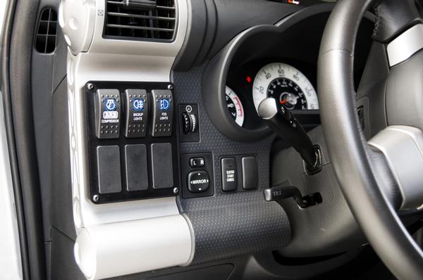 FJ Cruiser 6-Switch Panel with Switches