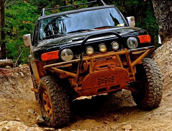Orange Boxx FJ Cruiser Tube Bumper with Stinger
