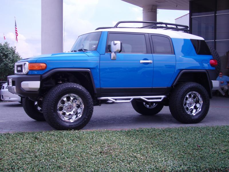 Smittybilt Stainless Steel FJ Cruiser Nerf Bars